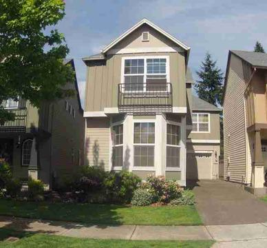 $158,000 Hillsboro, Set your sights on this 3 bed, 2.5 bath