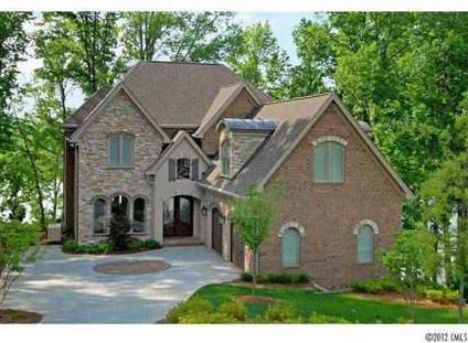 $1,275,000 Spectacular Waterfront Home!