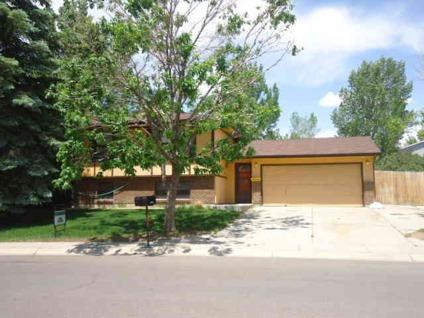 $200,000 Rock Springs 4BR 1BA, Nice split level home, needs some TLC.