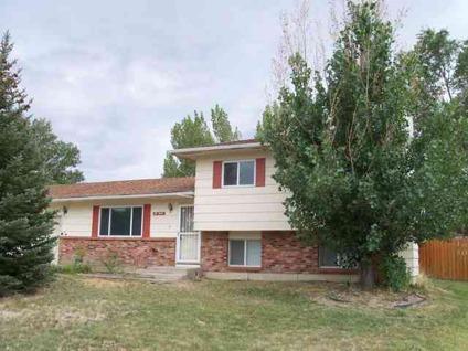 $229,000 Rock Springs 2.5BA, Need extra garage space?!