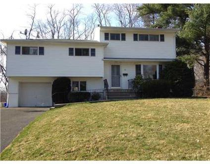 $399,000 Nanuet 5BR 3BA, This is alot of house! Owners are moving up!