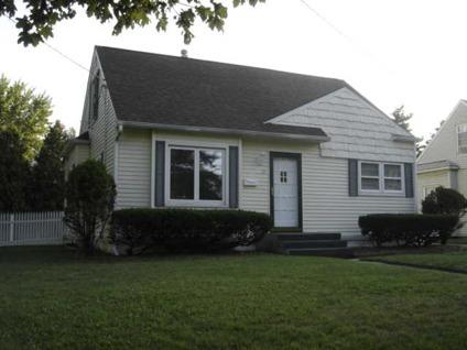 $76,000 Adrian 3BR 1BA, This neat and tidy 910 sq ft cape cod on a
