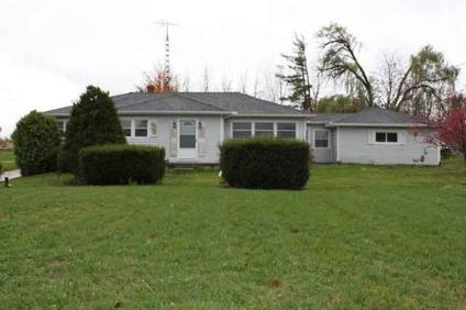$83,000 Adrian 3BR 1.5BA, GREAT STARTER HOME LOCATED JUST OUTSIDE OF