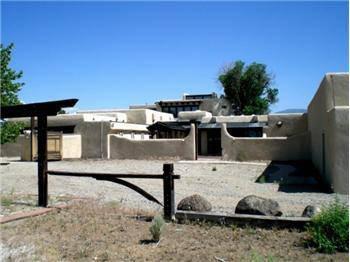$990,000 Investor/Developer Dream... the Former Taos Estate of RC Gorman.